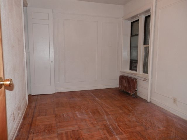 Eastern Pkwy Crown Heights, Brooklyn NY         11238